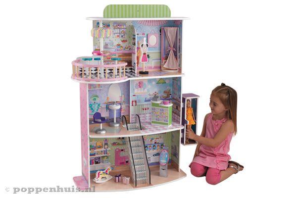 Kidkraft poppenwinkelcentrum for Poppenhuis voor barbie